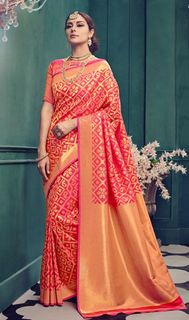 Glam up  with this Exclusive Kanchipuram Silk Saree