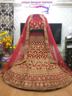 Embrace this simple yet elegant designer bridal lehenga